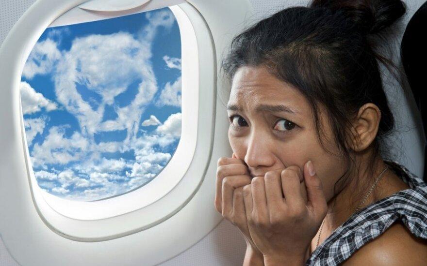 Aviakatastrofa Alpėse: kaip įveikti skrydžio baimę?