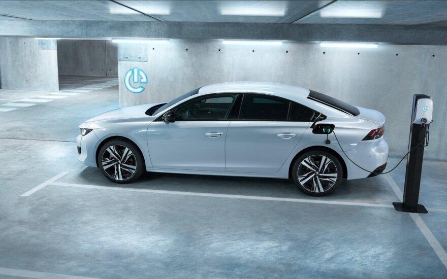 Kodėl automobilių gamintojams rūpi ne vien tik CO2 emisijos