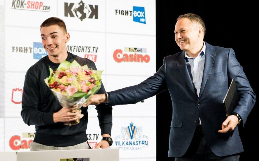 KOK turnyro išvakarėse – gėlės varžovui, pažadas įveikti klouną ir ramus Petrauskas