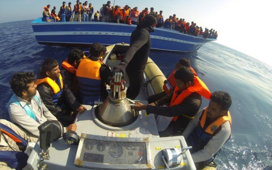 Nelegalių imigrantų laivas
