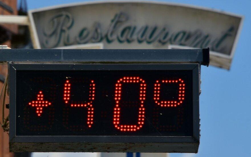 Europą alina didžiuliai karščiai: temperatūra kai kuriose vietovėse gali pasiekti ir 45 laipsnius Celsijaus