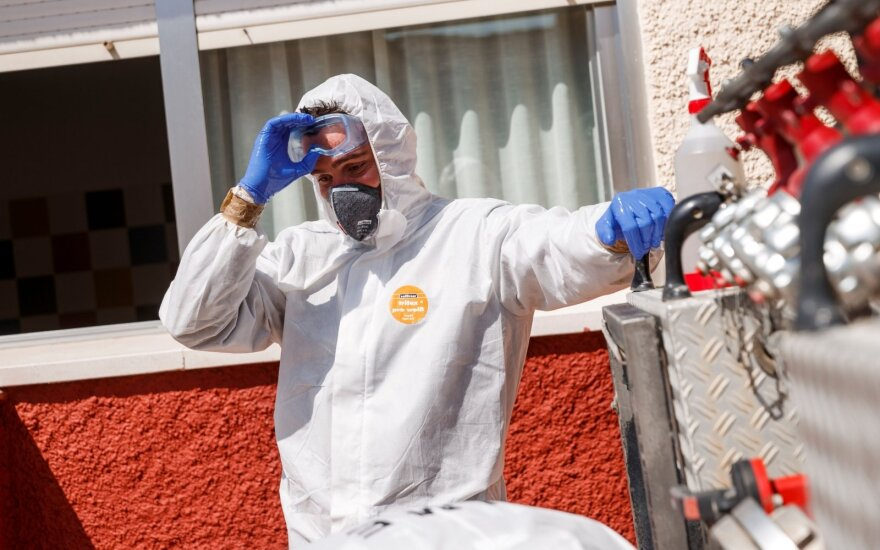 Prancūzijoje per parą mirė 499 koronavirusu užsikrėtę žmonės