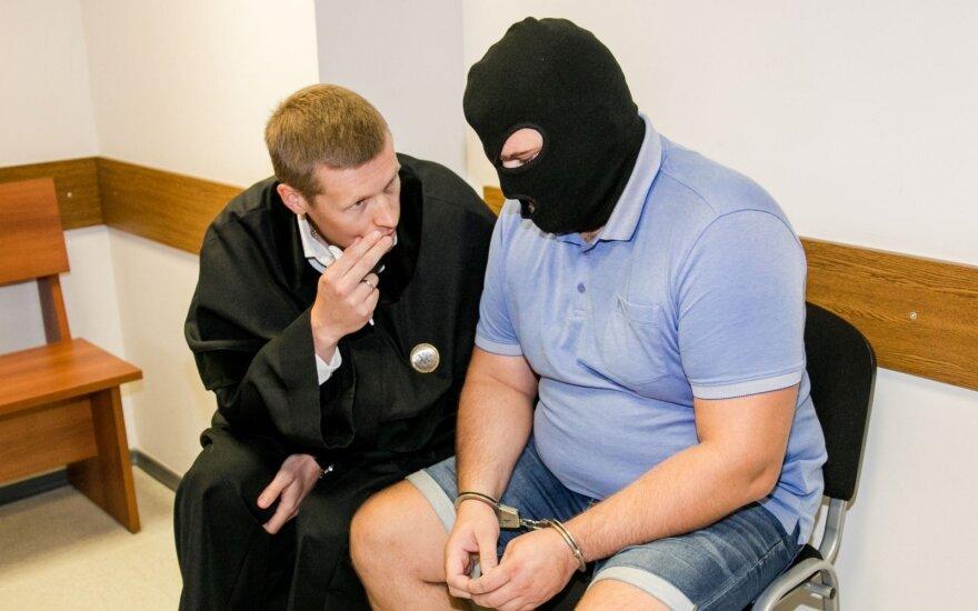 """Teismas paleido įtariamąjį byloje dėl duomenų vagystės iš """"Grožio chirurgijos"""" klinikos"""