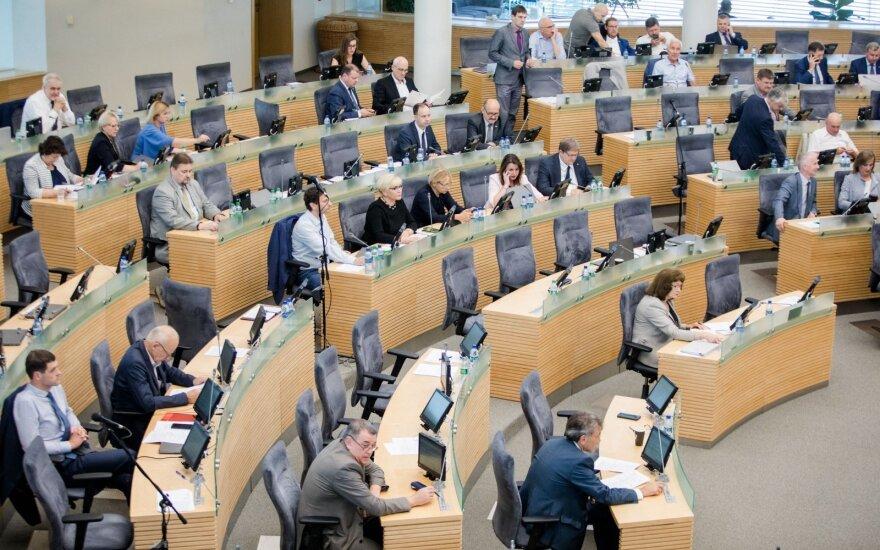 Seimas sumažino kartelę referendumui dėl pilietybės