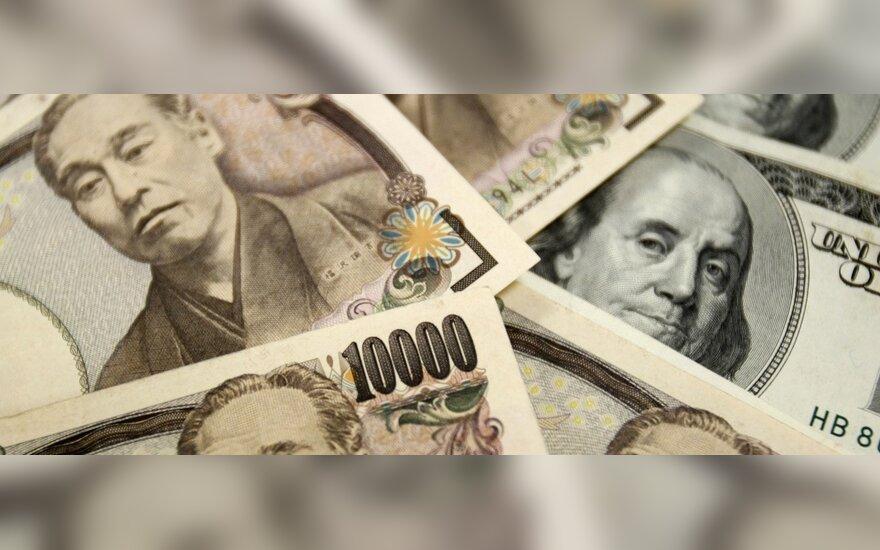 Japonija registruoja netikėtai didelį einamosios sąskaitos perteklių