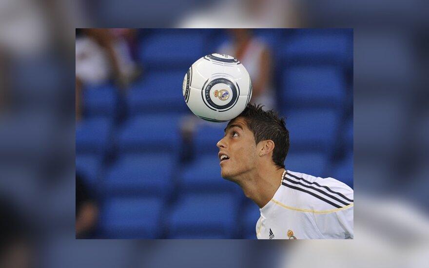 C.Ronaldo triukšmingai pristatytas Madride