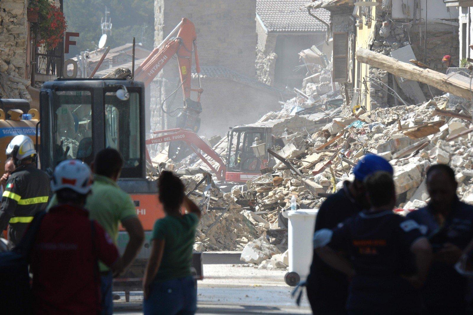Расследование после землетрясений начались вИталии