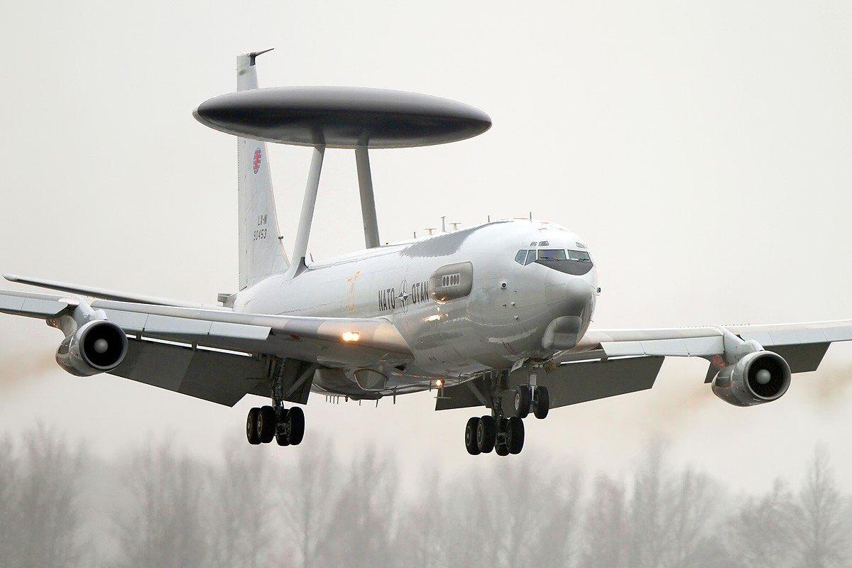 Американский самолет-разведчик подлетел ккораблям ВМФРФ вСредиземноморье