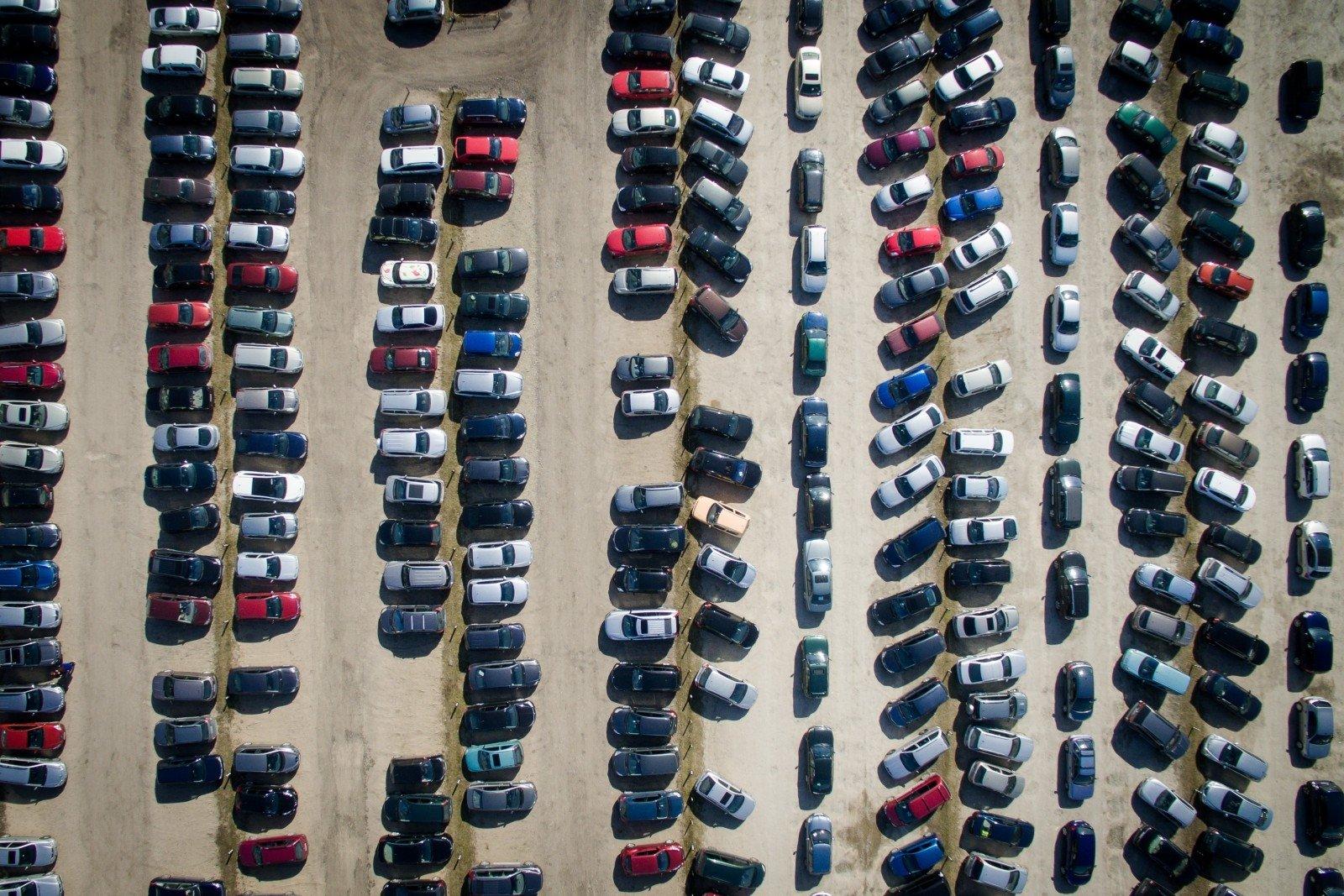 automobilių prekybos paskolinimo sistema iq pasirinkimo prekybos kambarys