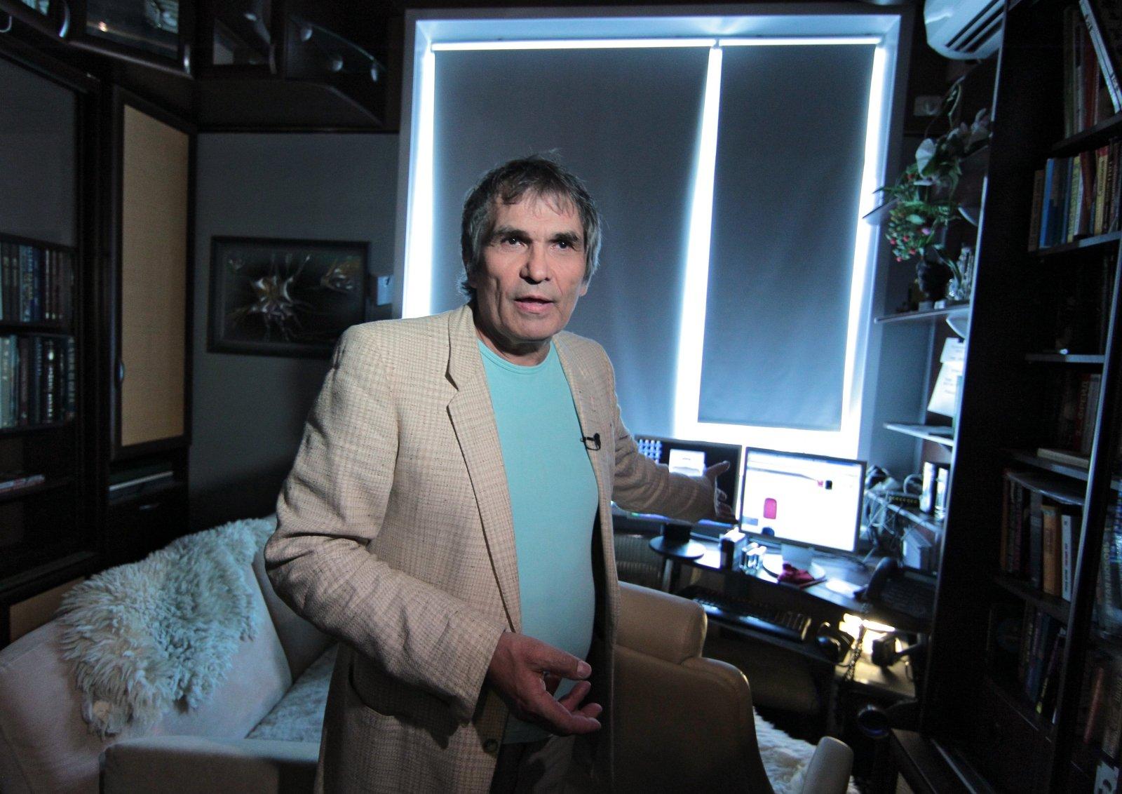 Бари Алибасова подключили каппарату искусственной вентиляции легких