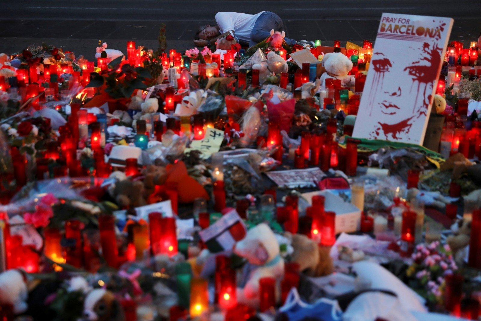 Испанский пловец устроил минуту молчания начемпионате мира вБудапеште