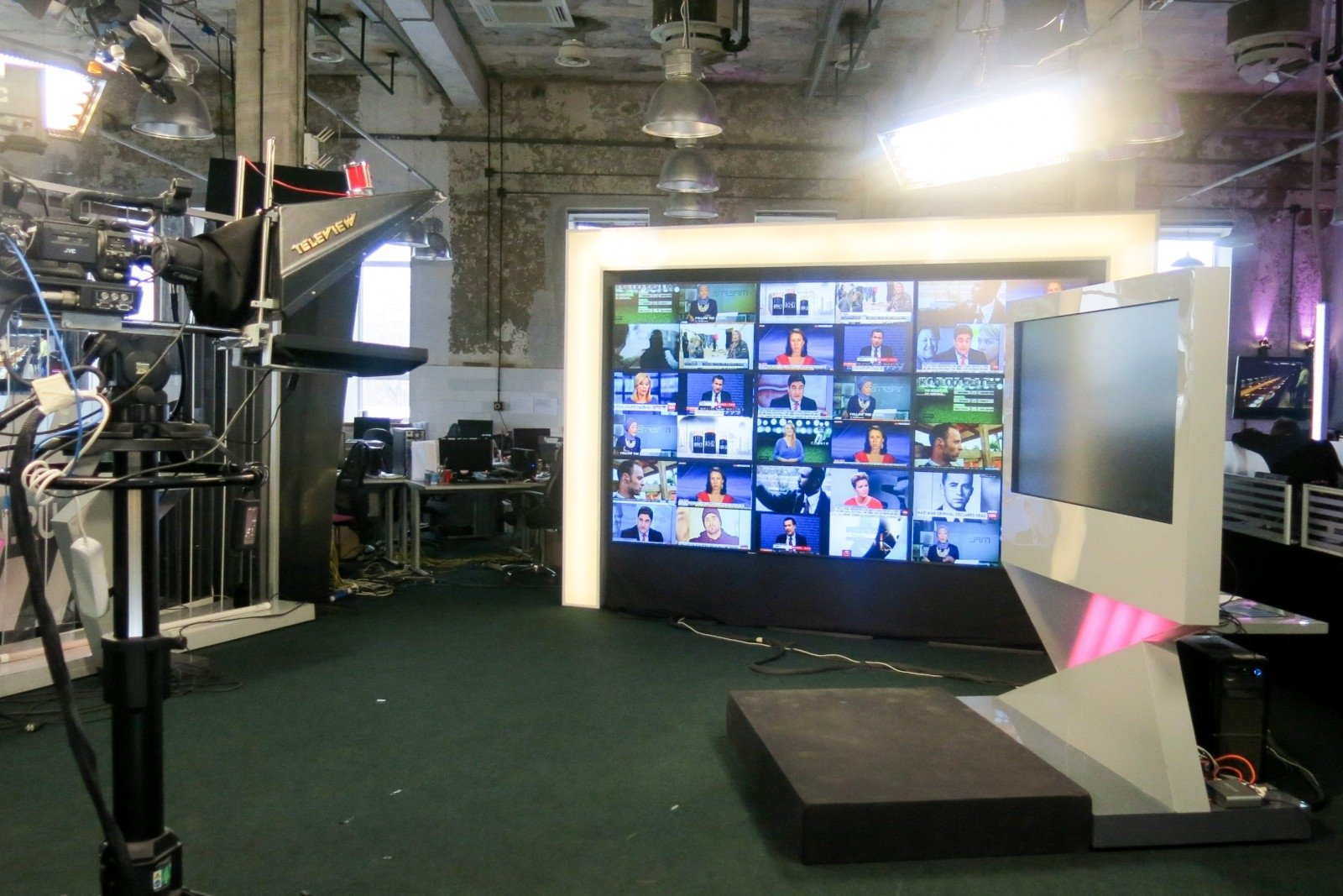 Нацсовет потелерадиовещанию обязал провайдеров отключить русский канал «Дождь»