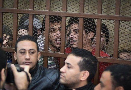 Суд в Египте оправдал геев, обвиняемых в разврате в бане. Выпущен первый 3