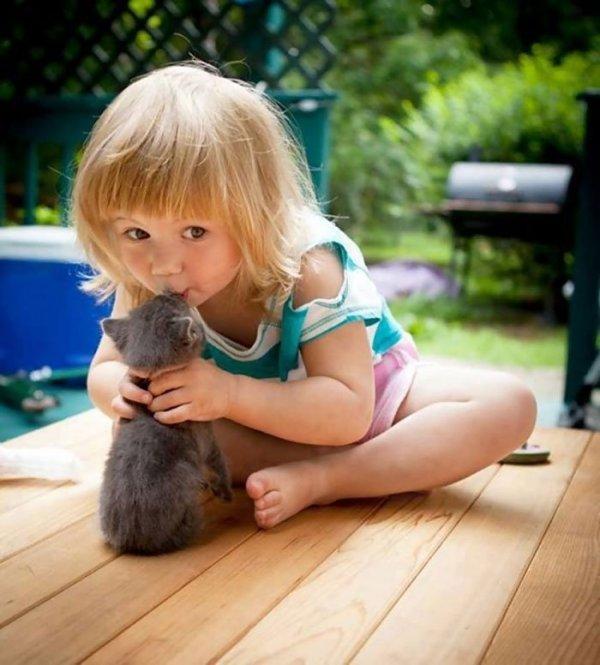 """30 nuotraukų su mažyliais, kurios <span style=""""color: #c00000;"""">sušildys jūsų</span> širdį"""