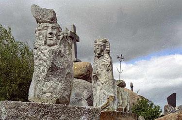 Orvidų sodybos skulptūros