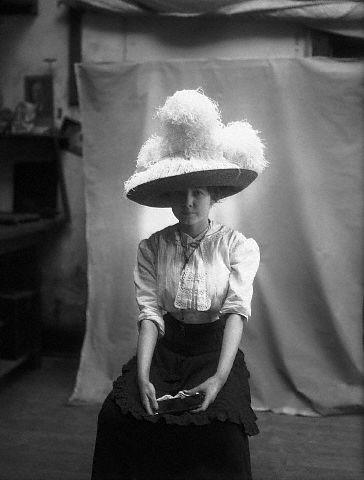 Skrybėlė. 1911 m.