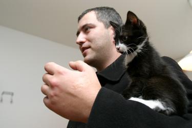 Katinas Iksas su šeimininku Tautvydu