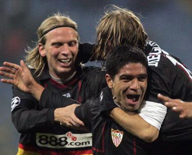 """""""Sevilla"""" komandos draugai sveikina Renato"""