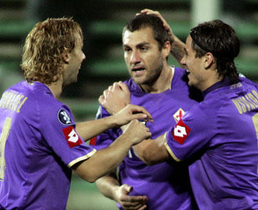 """""""Fiorentina"""" sveikina Christianą Vieri su įvarčiu"""