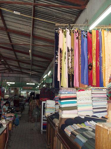 Vietnamas. Hoi An. Drabužių turgus