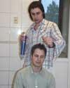 Ruslanas šukuoja Vaidos draugą