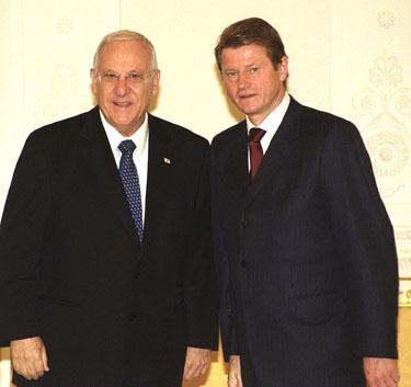Izraelio Kneseto pirmininkas Reuvenas Rivlinas ir Lietuvos Prezidentas Rolandas Paksas