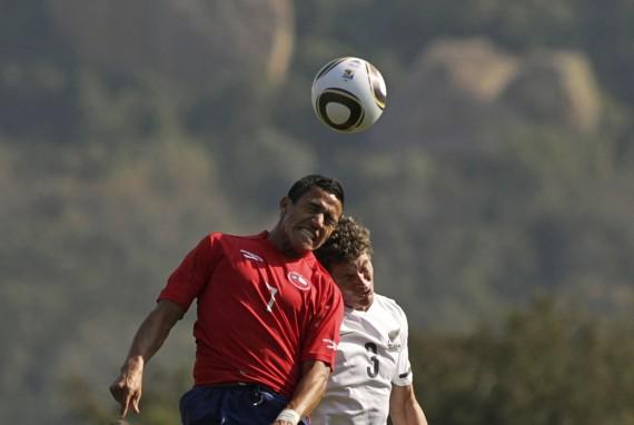 Alexisas Sanchezas (raudona apranga)