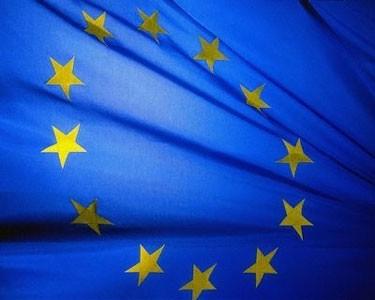 615 mln. litų baudą gavę britai širsta dėl reikalavimų kelti ES vėliavas