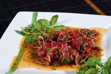 Tailandietiški patiekalai. Yum Nuan. Jautienos salotos su aštriu padažu