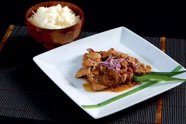 Tailandietiški patiekalai. Kiauliena su imbieriniu padažu