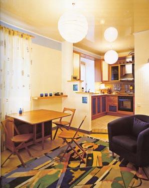 Vaizdas iš svetainės į virtuvę