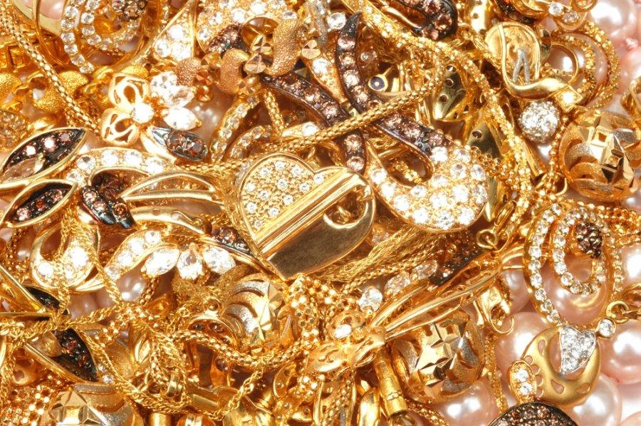 Papuosalai is aukso