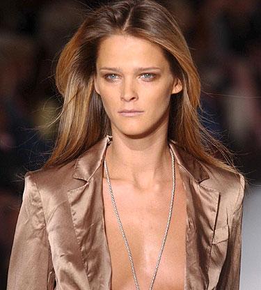Calvin Klein. Makiažas ruduo - žiema 2004-2005