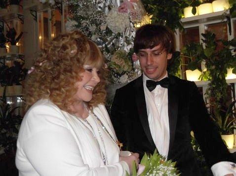 Галкин показал фото поцелуя с Пугачевой