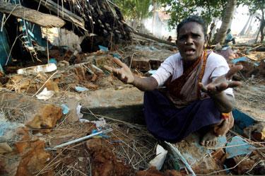 Po cunamio netekusi namų indė prašo pagalbos