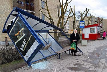Panevėžyje siautusi audra nuniokojo autobusų stotelės paviljoną
