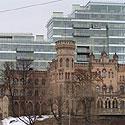 Biurų pastatas priešais Žaliąjį tiltą