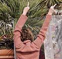 Charlize Theron nekenčia paparacų