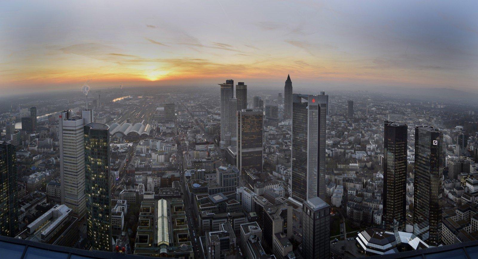 Германия и Англия отыскали усебя грязные деньги из Российской Федерации