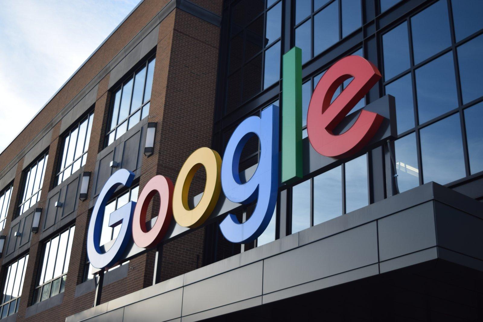 kokias akcijų opcijas gauna google darbuotojai