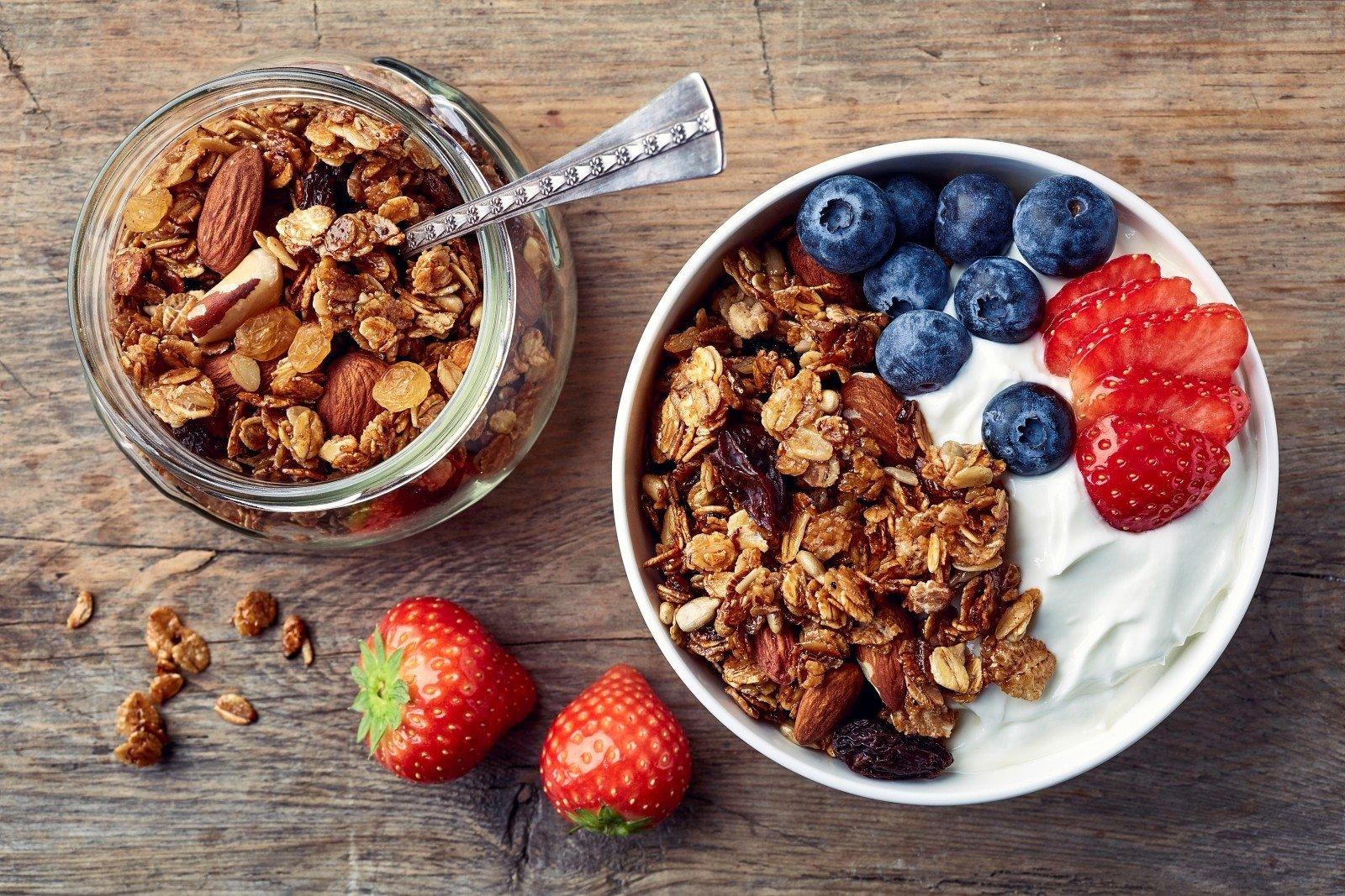 Naminė granola – sveikiausi ir greičiausi pusryčiai, kuriuos ...