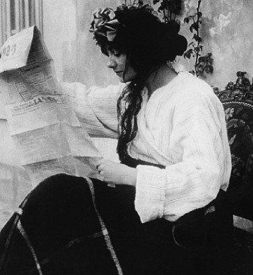 Coco Chanel iš arti: pirmoji meilė, žirgai ir pirmos nukirptos rankovės