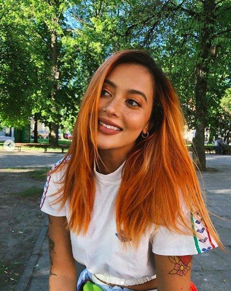 Karolina Meschino tapo rusvaplauke