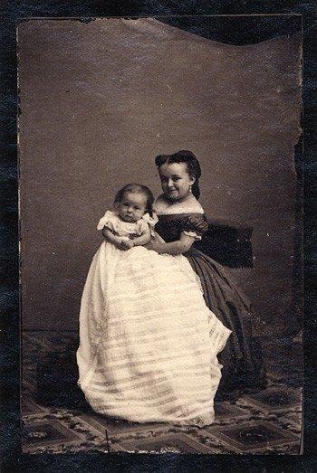 Lavinia Warren su kūdikiu