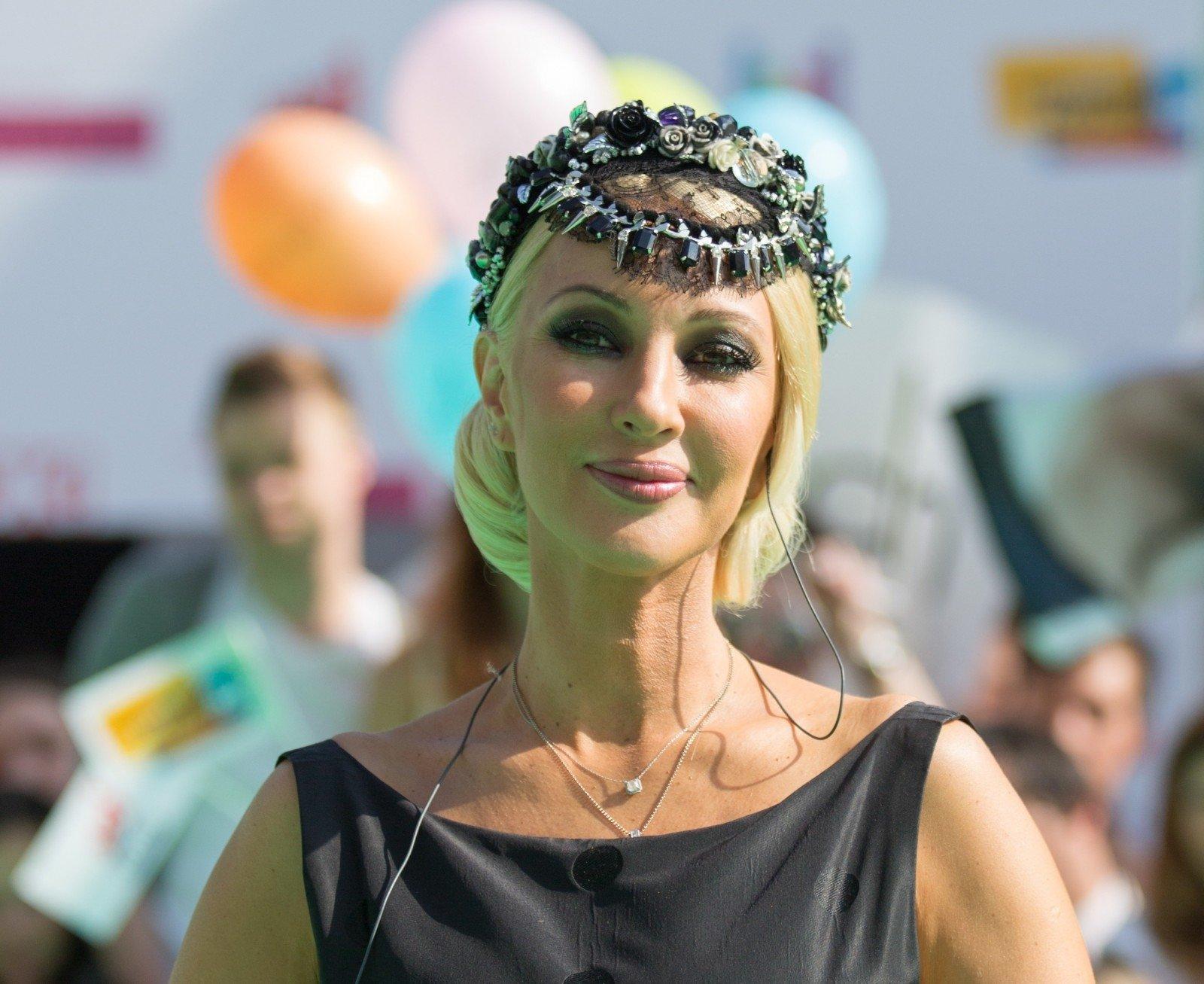 47-летняя Лера Кудрявцева родила дочку ирассекретила ееимя