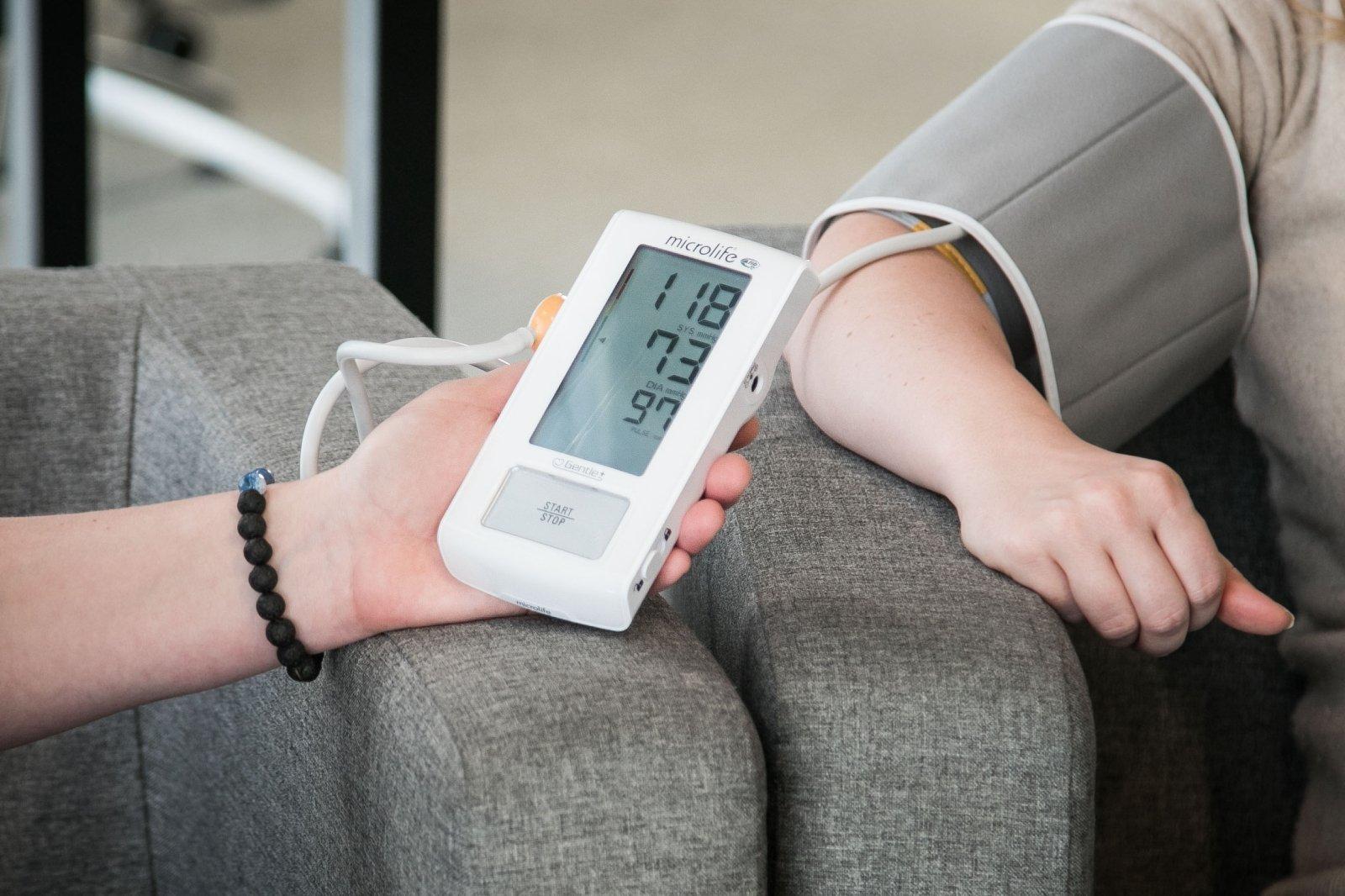 auksto spaudimo priezastys antsvoris yra hipertenzijos priežastis