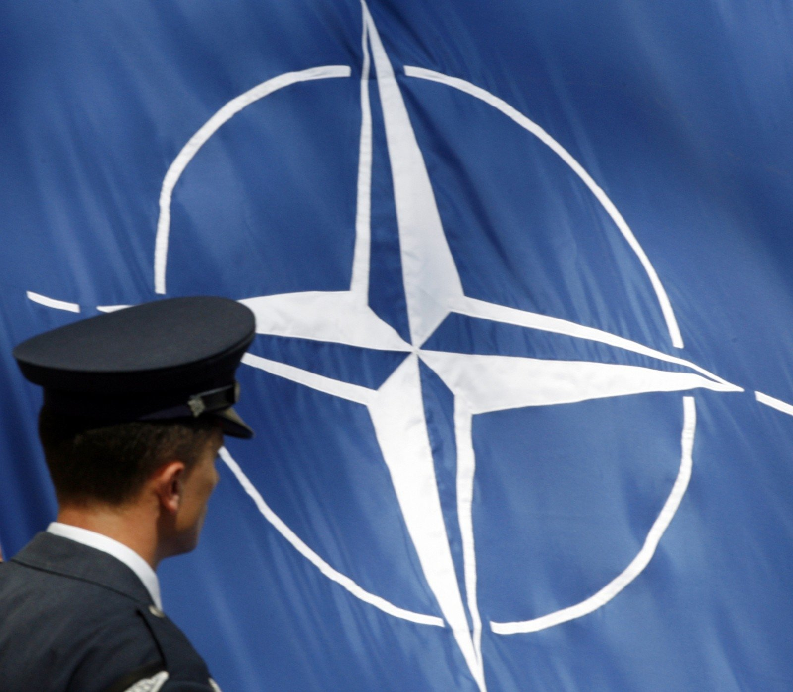 Саммит НАТО вВаршаве будет приурочен к угрозам сВостока иЮга— Меркель