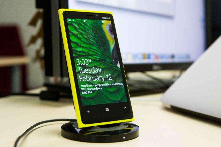 Nokia lumia 820 atsiliepimai