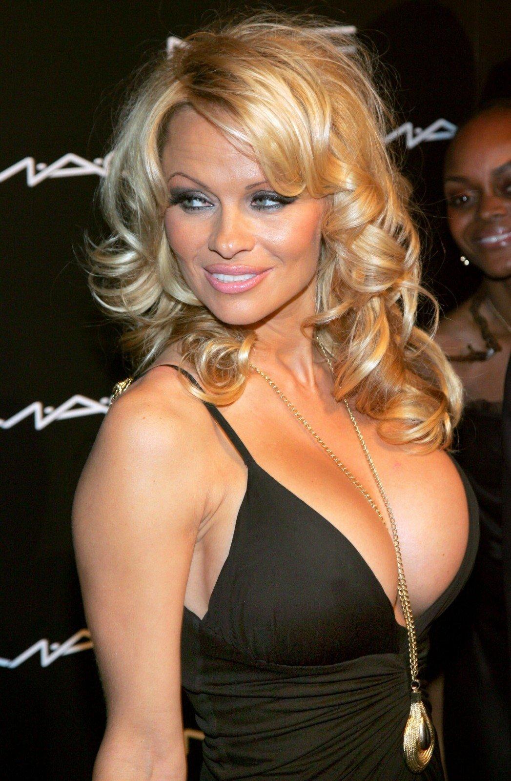 O buvo laikai... Pamel... Pamela Anderson