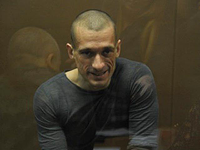 Павленский заявил что ему было отказано в медосмотре после избиения